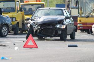 Das Bußgeld bei einer Fahrerflucht hängt von der Höhe des Schadens ab.