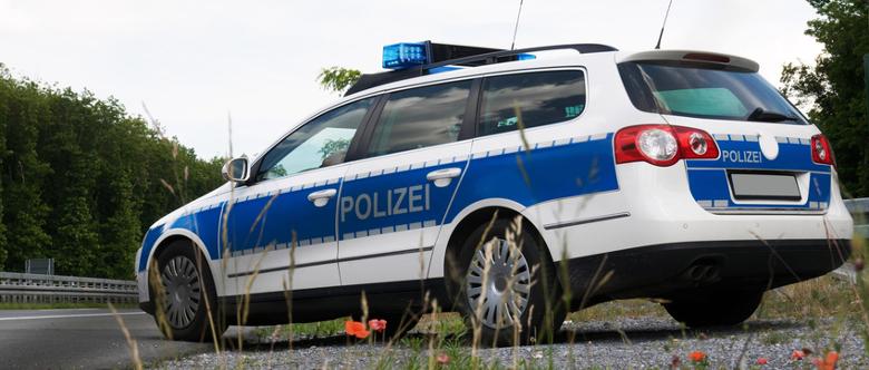 Nach einem Auffahrunfall muss die Polizei gerufen werden, wenn Personen verletzt wurden.