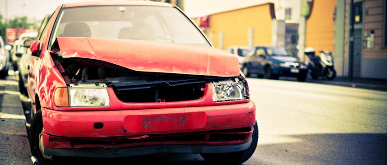 Autounfall verursacht: Was tun, wenn Sie selbst schuld waren?
