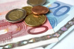 Bußgeldbescheid: Auch die Verfahrenskosten werden Ihnen in der Regel auferlegt.