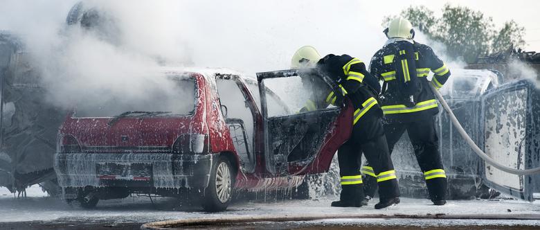 Erinnern sich Autofahrer nicht an die Erste-Hilfe-Regeln, kann dies die Arbeit der Rettungskräfte erschweren.