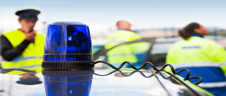Fahrerflucht als Zeuge beobachtet: Melden Sie den Vorfall der Polizei.
