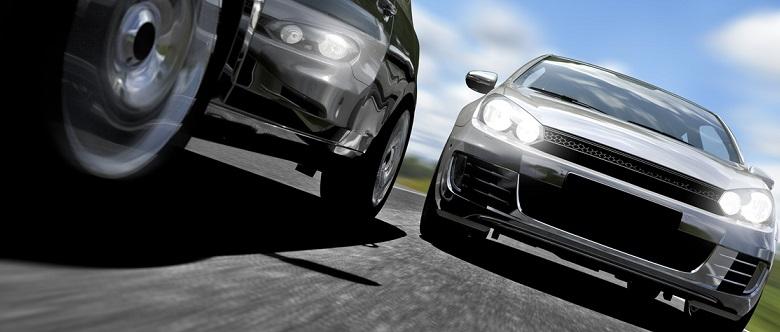 Bei einer Geschwindigkeitsüberschreitung müssen Sie den Führerschein laut Punktesystem höchstens für drei Monate abgeben.