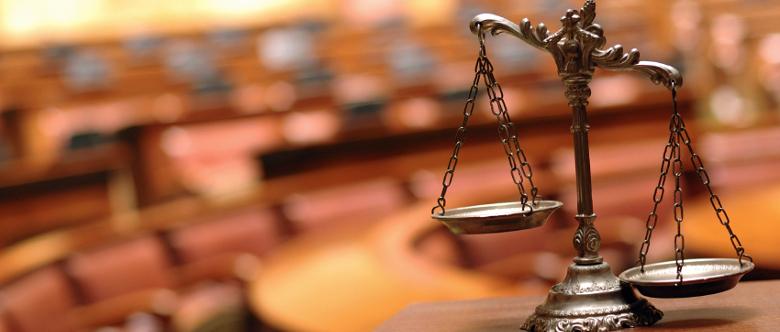 Gesetze, die bestimmte Verhaltensweisen als Straftat definieren, dienen dem Schutz besonderer Rechtsgüter.