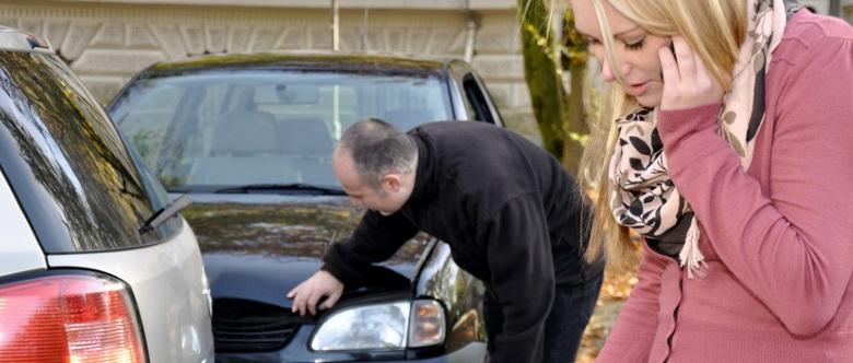 Unfall mit dem Auto: Was ist zu tun? Welche Schritte sind zu befolgen?
