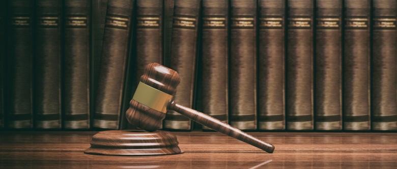 Verkehrsstraftaten werden in erster Linie durch das Strafgesetzbuch (StGB) geregelt.