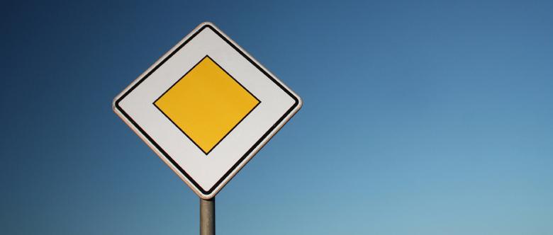 Vorfahrt missachtet und einen Unfall verursacht? Die Strafe kann variieren.
